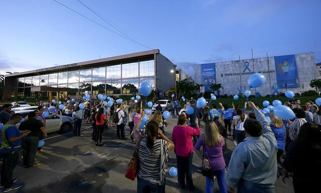 02.04.2018 Sede da Prefeitura de Manaus recebe iluminação pelo dia Mundial do Autismo
