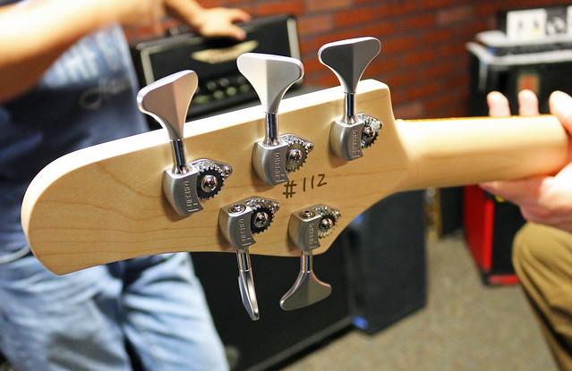 Miura Guitars - MB2 bass (3)