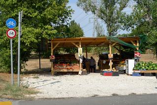 Danube Bike Trail, vegetable sellers