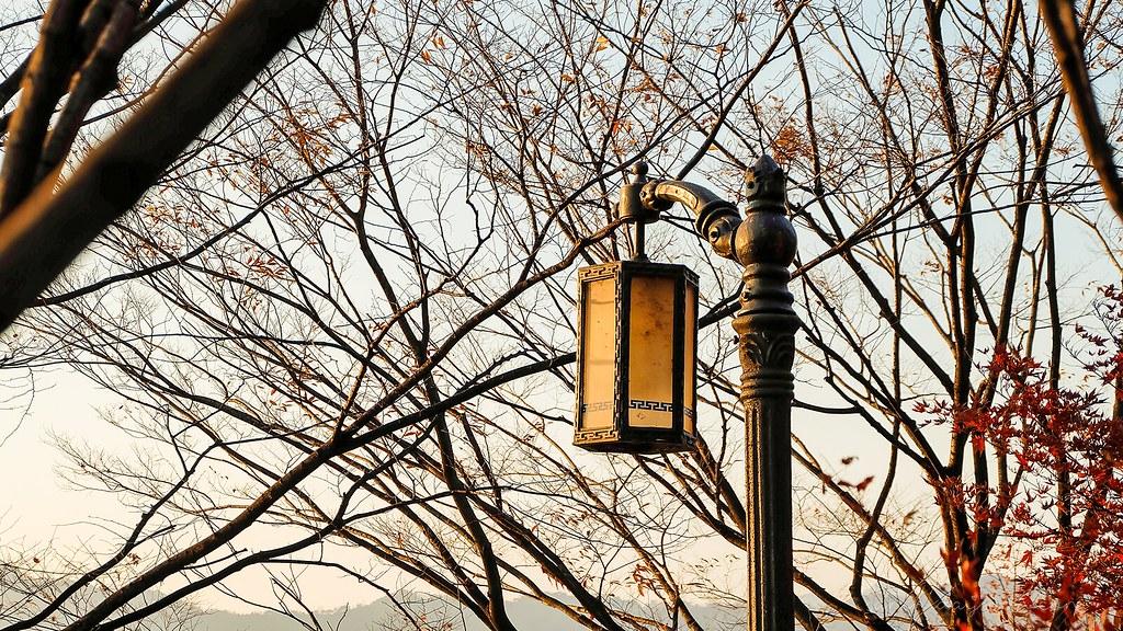 sunset_lantern_naksan_park_autumn