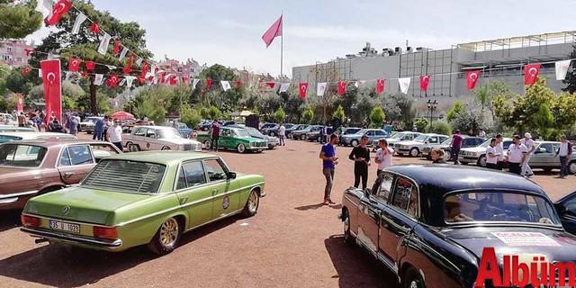 Klasik Mercedes tutkunları Antalya'daydı -3