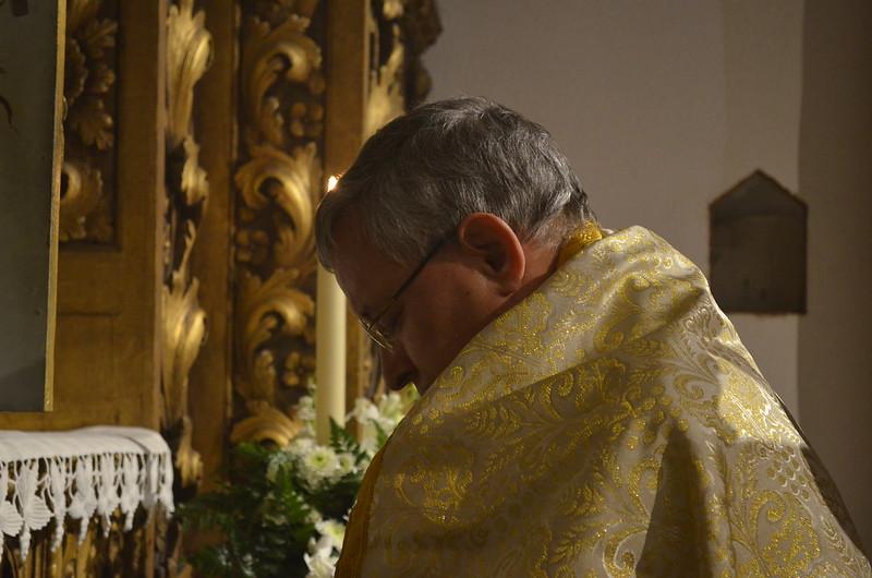 Eucaristia da Ceia do Senhor com lava-pés e procissão da Sagrada Reserva