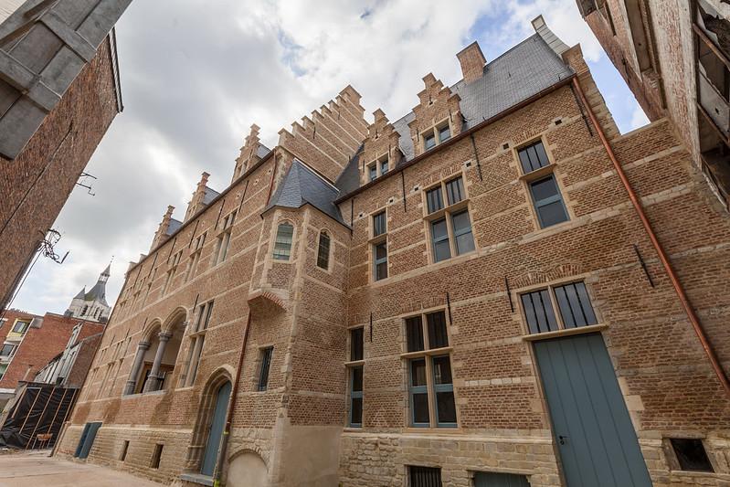 Hof van Cortenbach casco-restauratie
