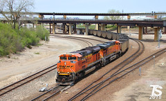 2/9 BNSF 9258 Leads SB Empty Coal Drag Kansas City, MO 4-29-18