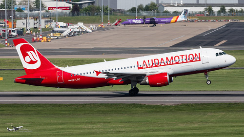 OE-LOC A320 LAUDAMOTION