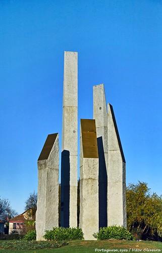 Monumento à Associação Comercial Distrital de Viseu - Portugal 🇵🇹