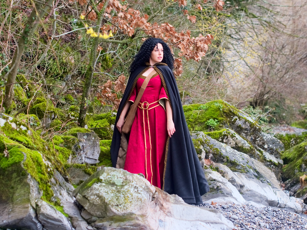 related image - Shooting Mère Gothel - Orena - Montreux - 2018-03-31- P1177555