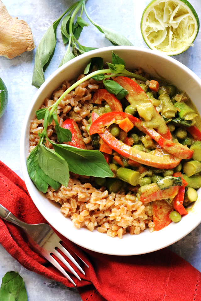 spring vegetable thai green curry (with homemade curry paste!!)