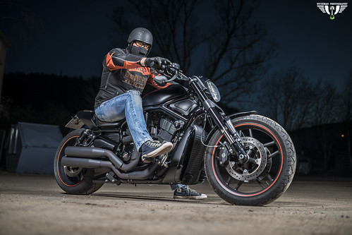 Harley Davidson night shooting