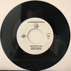WENDY MOTEN:COME IN OUT OF THE RAIN(RECORD SIDE-B)