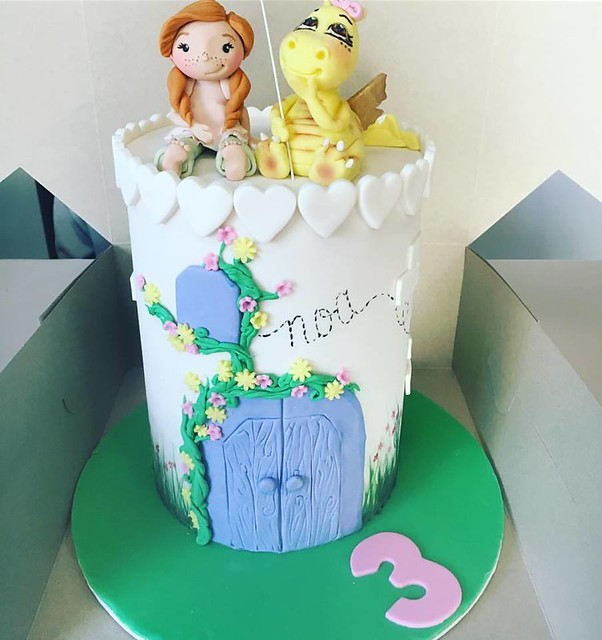 Cake by Duchess Cakes and Desserts