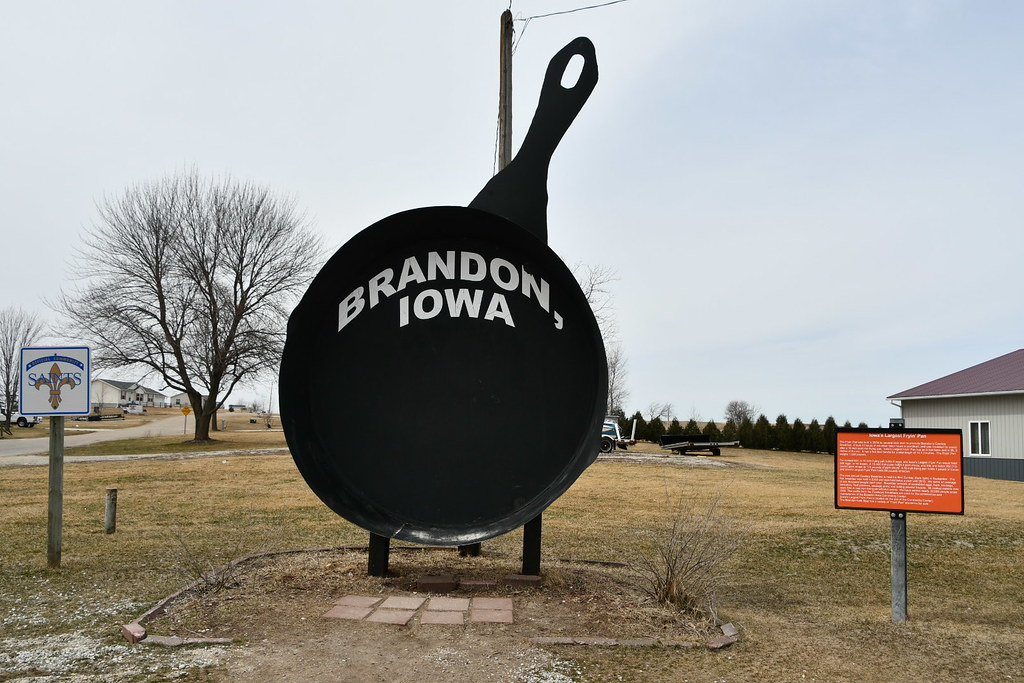 Iowa's Largest Fryin' Pan, Brandon, IA