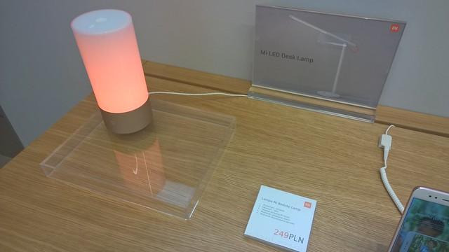 lampe de chevet réveil RVB - 59,8€