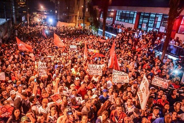 Militantes de diversos movimentos populares participam de ato em solidariedade a Lula em São Bernardo do Campo (SP) - Créditos: Mídia Ninja