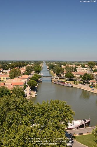 Canal Rhône-Sète (Aigues Mortes, Francia)
