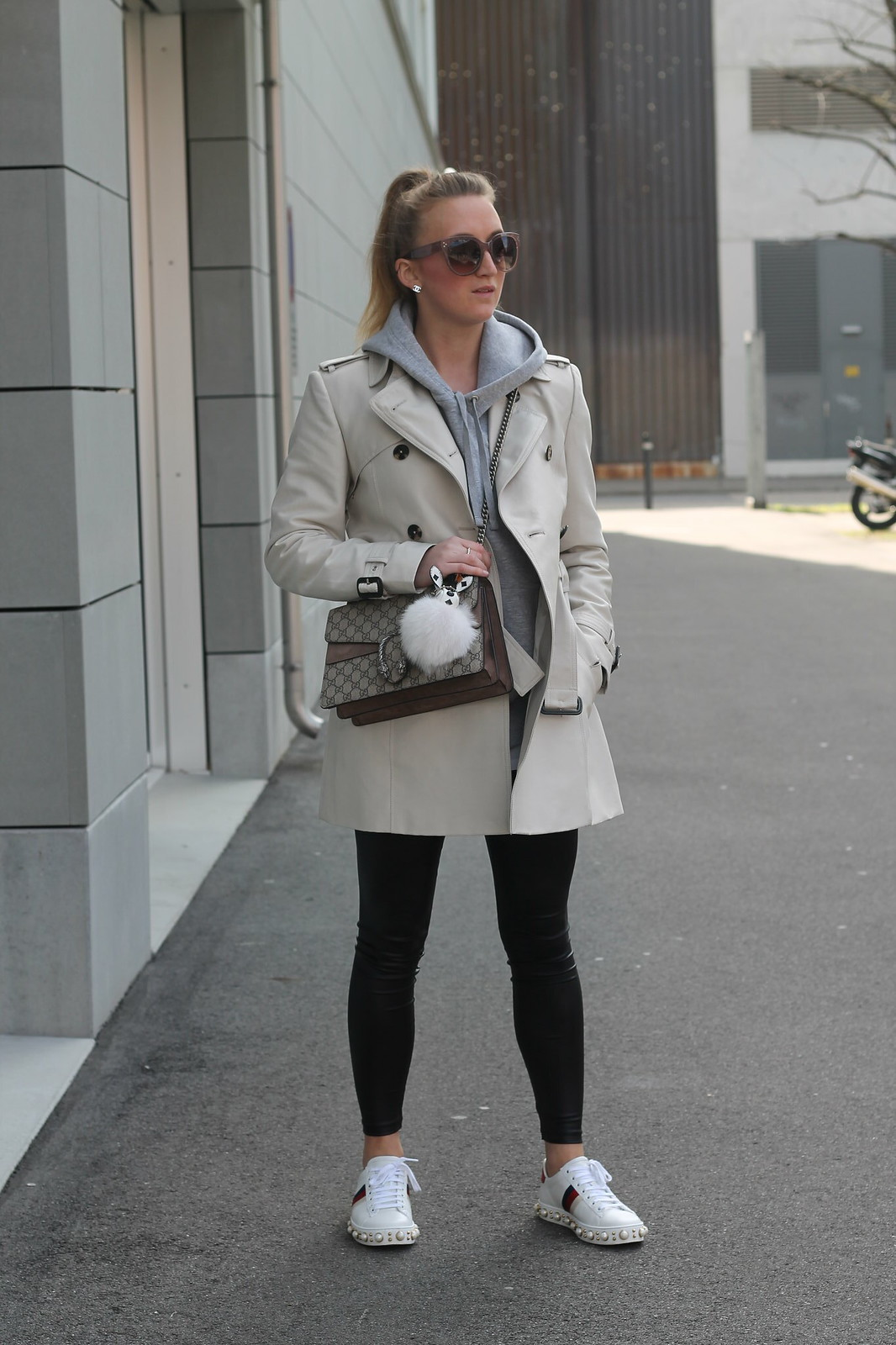 trenchcoat-whole-outfit-front-wiebkembg