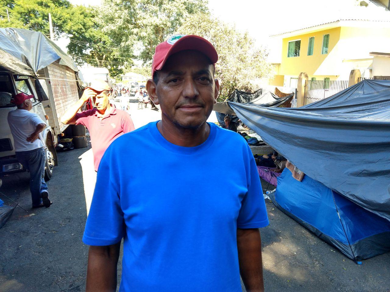 Para poder participar da mobilização, João Francisco conta com a ajuda dos vizinhos no cuidado com a plantação. Foto: Franciele Petry