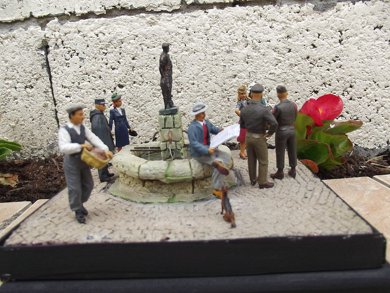 Permission - Figurines Miniart et MK35 - 1/35 41800737941_36d228e698_c