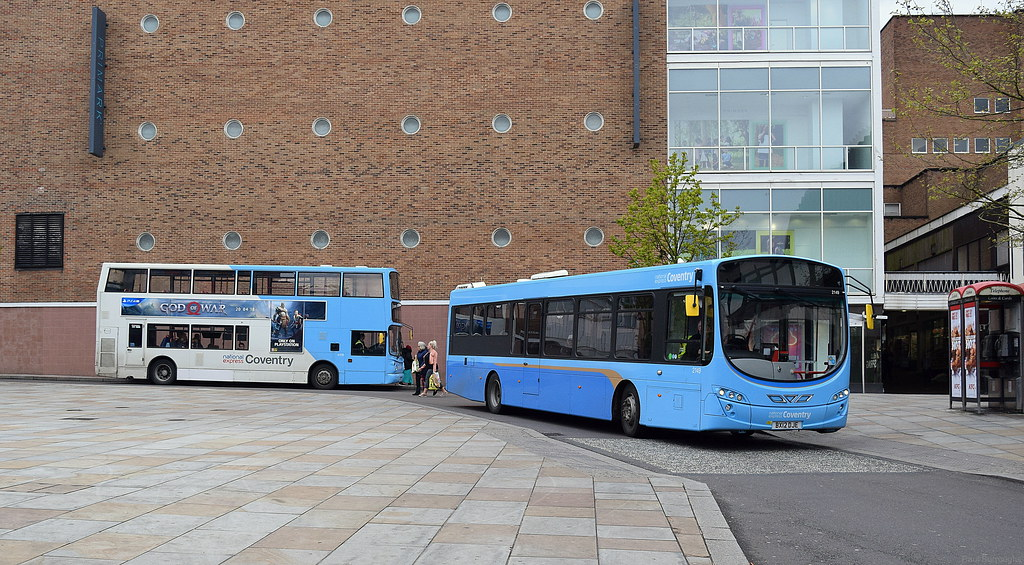 A pair of Volvo B7's: B7TL and B7RLE | From Wikipedia: the