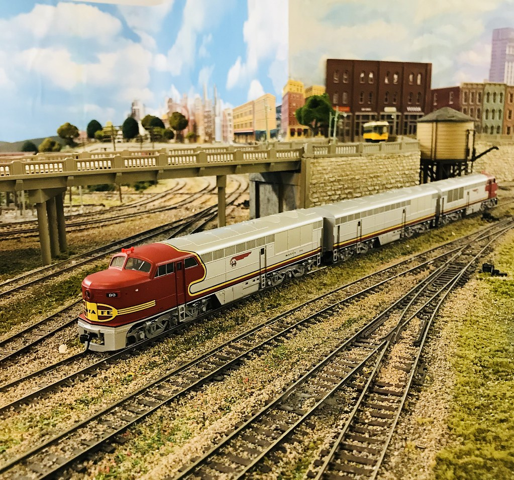 Jeffrey's Trackside Diner, May 2018 - Model Railroader