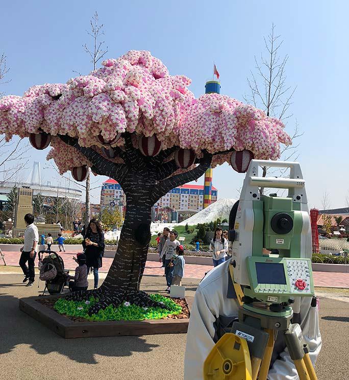 Guinness World Record - Biggest LEGO Sakura Tree