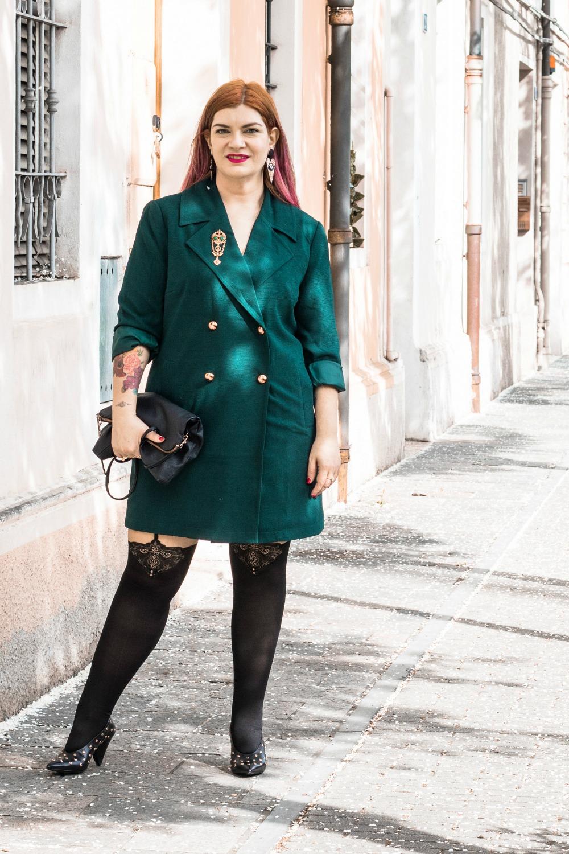 Outfit autoreggenti curvy plus size e abito-soprabito (8)