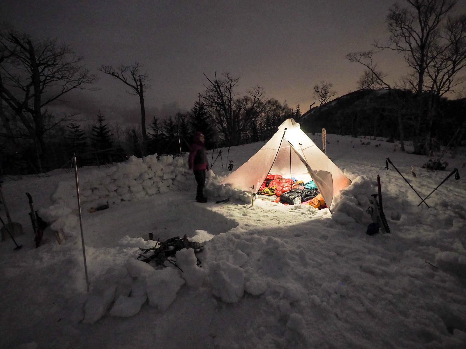 Mt. Ichankoppe ski touring and winter camping (Hokkaido, Japan)