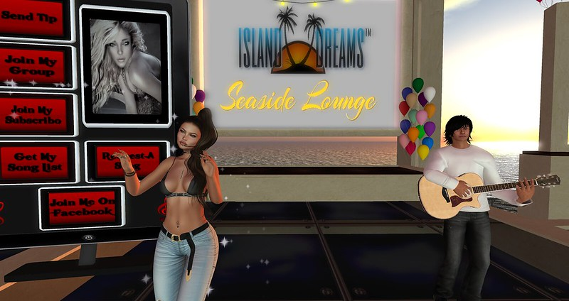 Essence and Max at Seaside Lounge 4th anniversary