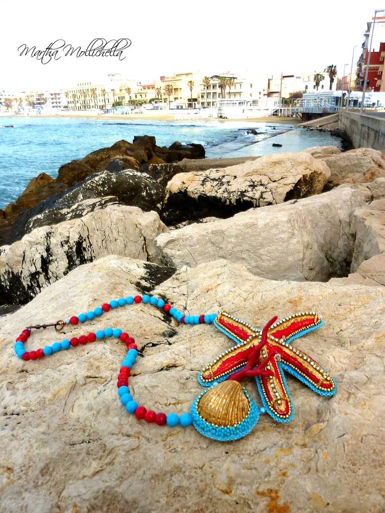 i gioielli del mare con stelle marine, conchiglie e corallo by Martha Mollichella