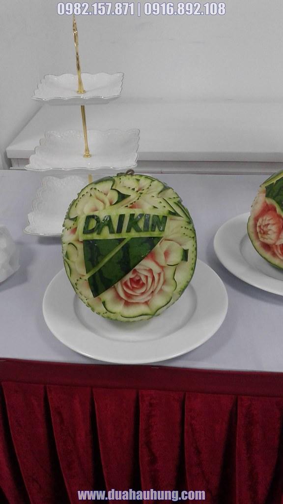 Dưa hấu khắc thương hiệu Daikin