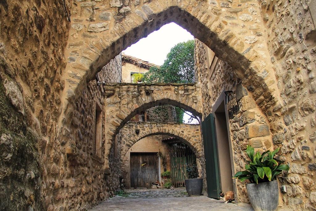 Three Arches, Besalú