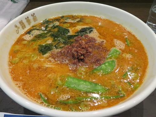 福島競馬場の精華苑の担々麺