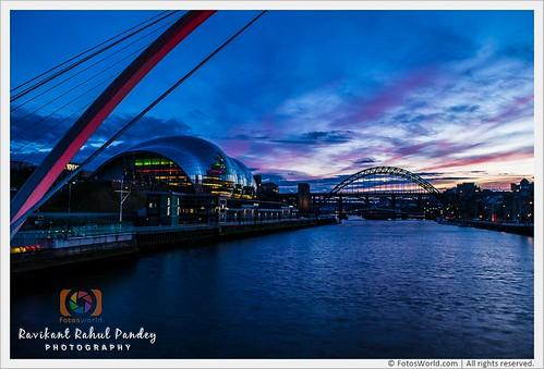 Stunning-Sunset-over-the-River-Tyne-viewed-from-Gateshead-Millennium-Bridge-in-Newcastle-upon-Tyne-England-UK-180325-194404