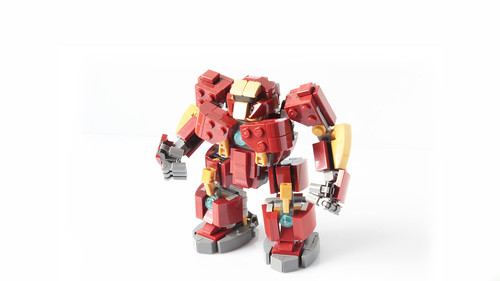 Hulkbuster in minifig scale