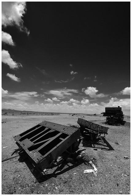 metal muerto, Nikon D5100, AF Zoom-Nikkor 80-200mm f/4.5-5.6D