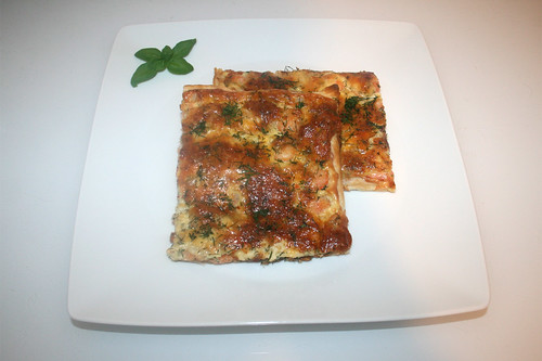 02 - Swedish salmon pizza - Served / Schwedischer Lachskuchen - Schwedenpizza - Serviert