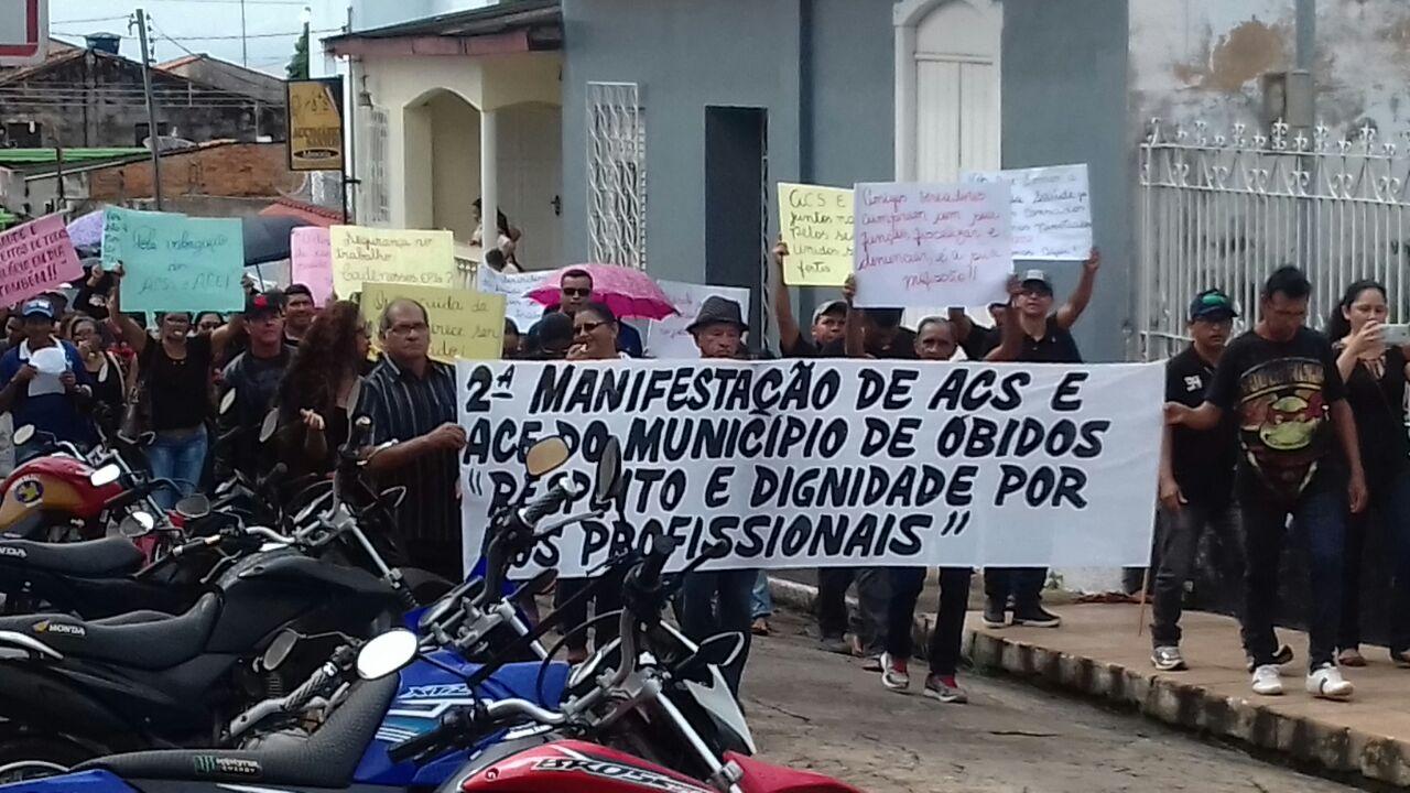 Servidores da Saúde de Óbidos vão às ruas em protesto contra Chico Alfaia, Protesto em Óbidos