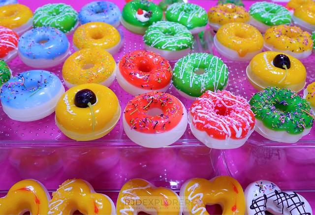 dessert museum souvenir