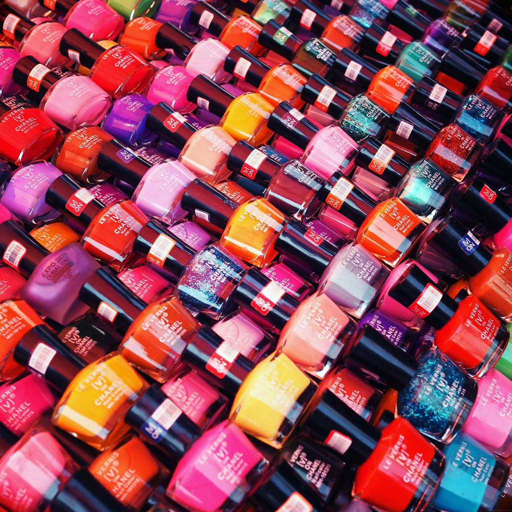 Fake Chanel Dup Nail Polishes Mumbai Market_effected