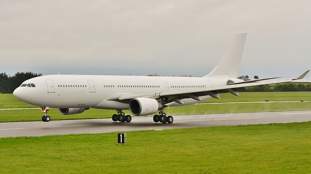 Airbus A330 -203 OE-IFW