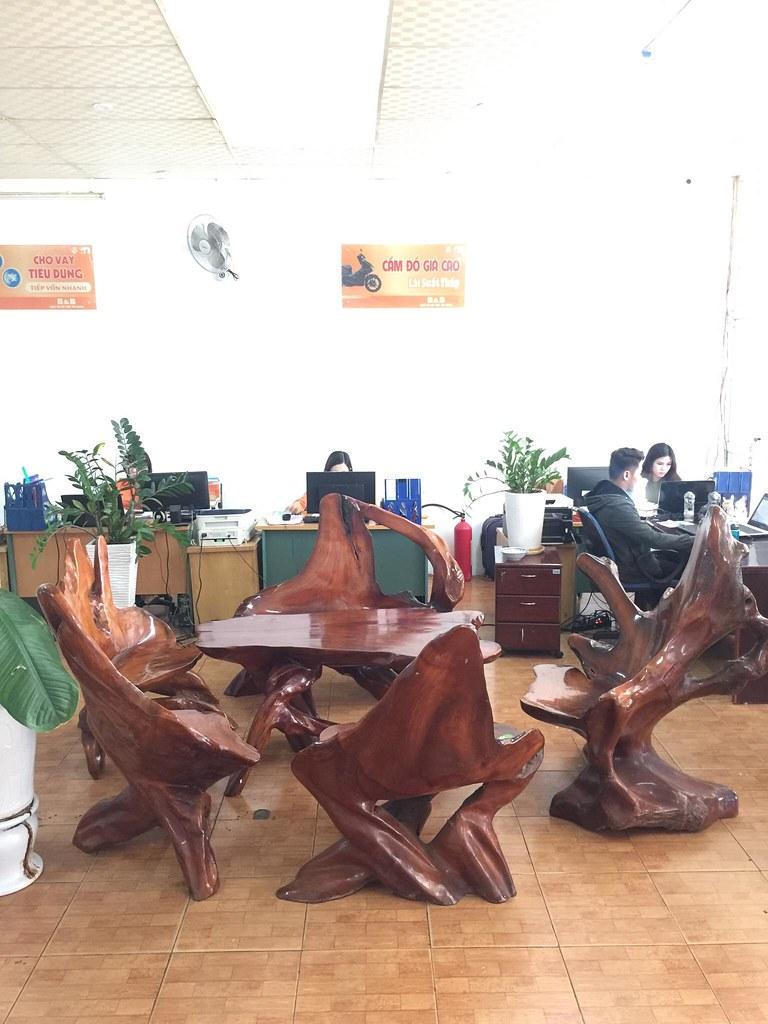 Bộ bàn ghế gốc hương (6 món)