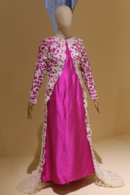 Вечернее платье из шелка с отделкой гипюром. Западная Европа, 1969 г.