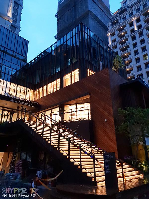 40603192085 3ca4281682 c - 有全球最美20書店之一美譽的TSUTAYA BOOKS即將進駐台中啦,蔦屋書店台中市政店搶先看!
