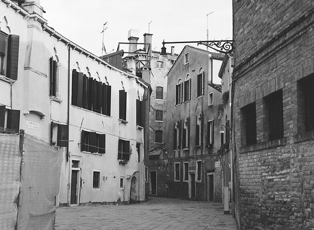 les trois cloches (venezia 85)