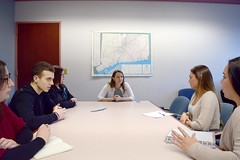 State Rep. Rosa Rebimbas meeting with CCSU students to discuss H.B. 5238, An Act Increasing Mental Health Resources to Veterans and Members of the Armed Forces, which she has cosponsored.