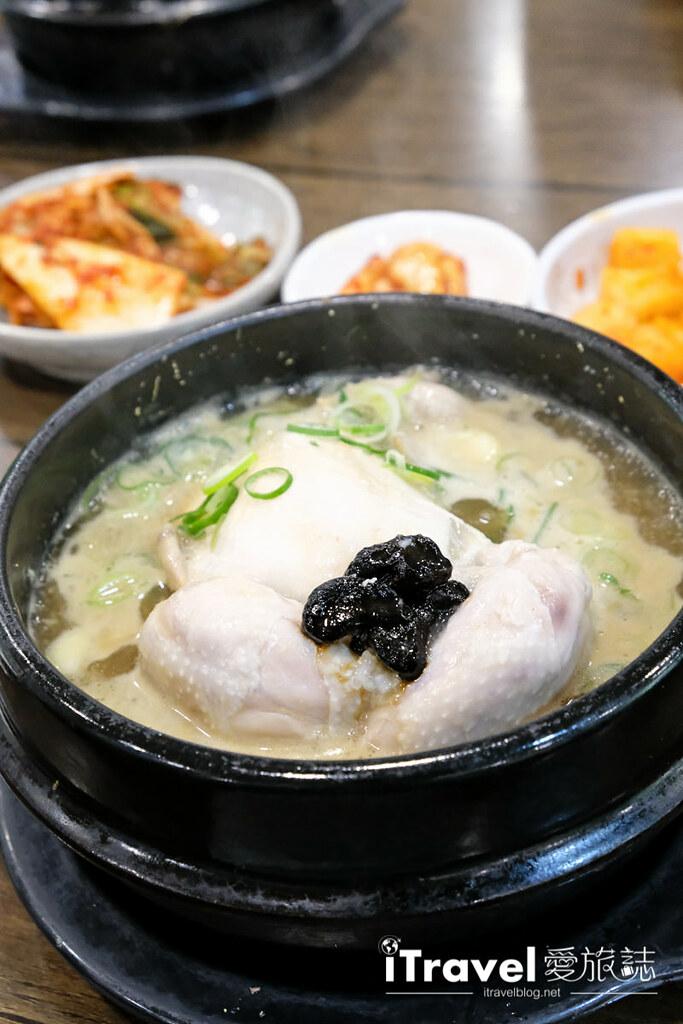 首尔美食餐厅 北村百年土种蔘鸡汤 (19)