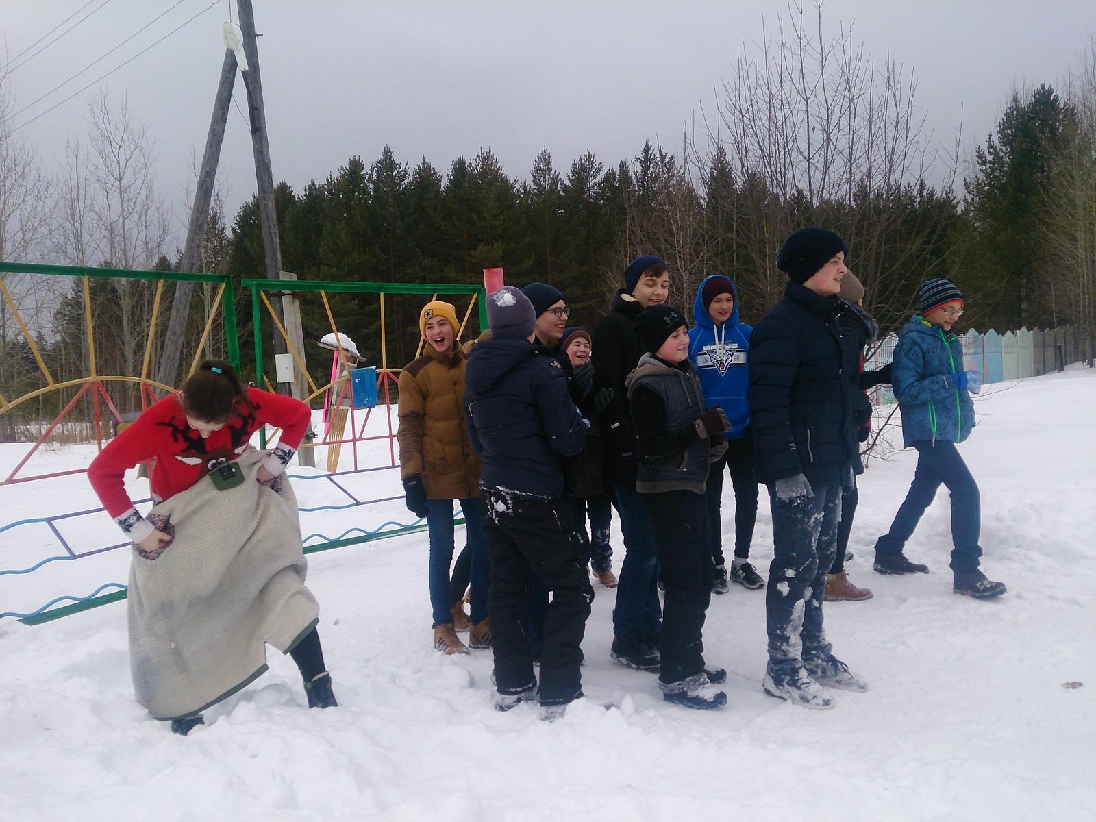 7А класс выехали в лагерь «Светлячок»