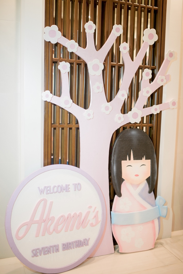 girly japanese party entrance