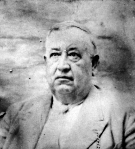 1920. Juan Manuel Gómez Claro y su casa señorial