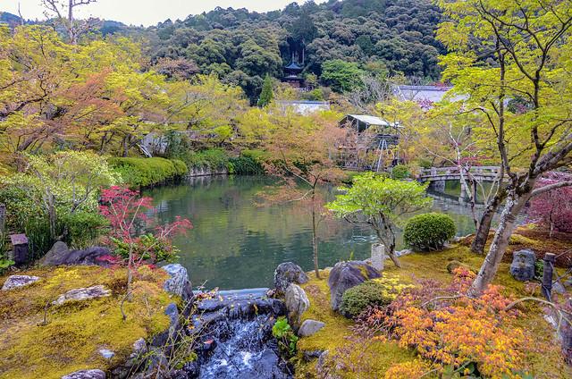Eikan-do Kenrin-ji pond front